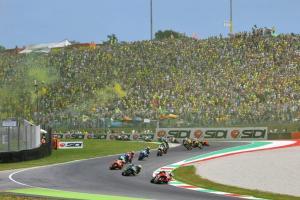 Kemeriahan GP Italia di Mugello yang selalu dipadati fans Valentino Rossi, batal untuk musim 2020. (Foto: ist)
