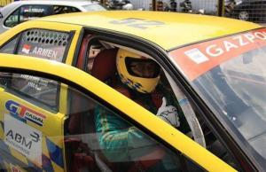 Arminsyah, rencanakan turun balap mobil lagi setelah pensiun sebagai Wakil Jaksa Agung. (foto : gazpoll rt)