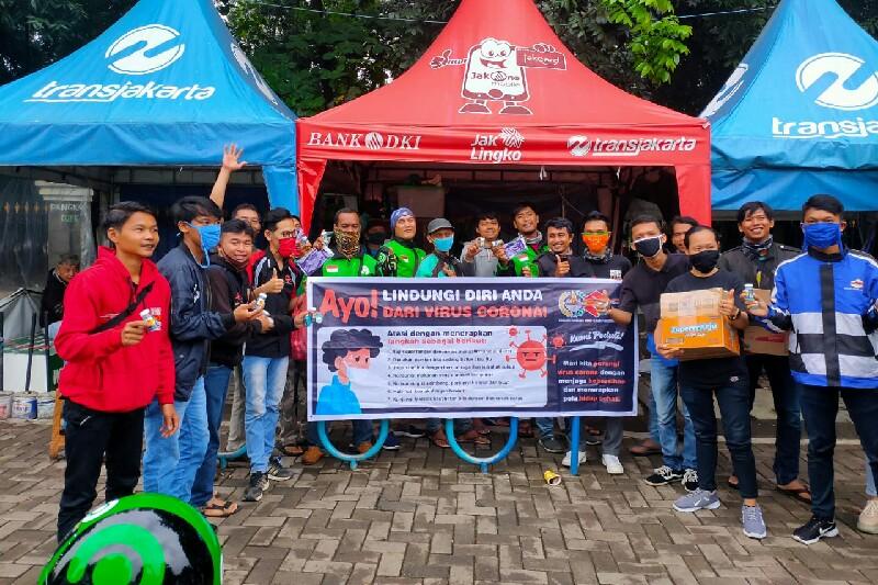 Aksi Sosial SSFC Korwil Cileungsih, membagikan hand sanitizer gratis