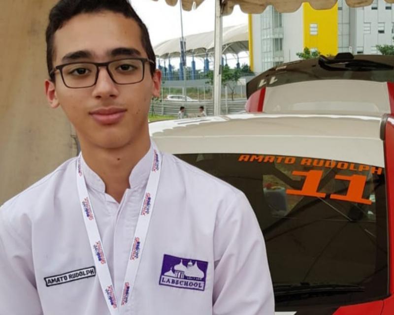 Amato Rudolph, diterima di Fakultas Teknik Universitas Indonesia, satu almamater dengan sang mami