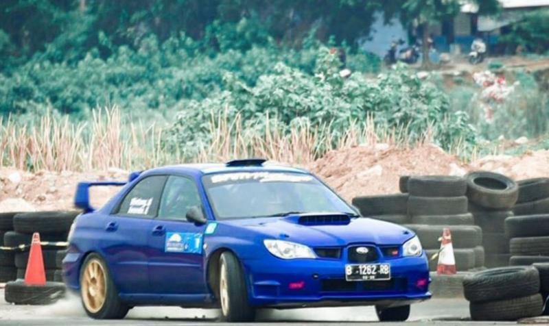 Mobil Subaru WRX STi sudah sampai Muara Bungo, tapi kejurnas sprint rally dan rally ditunda karena covid-19