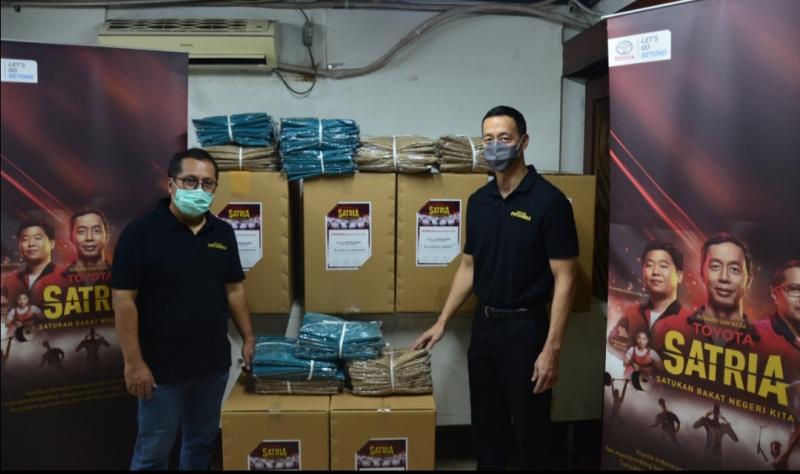 Richard Sam Bera dan Eko Widodo, dua mentor SATRIA sumbangkan APD kepada Puskesmas & Rumah Sakit di Indonesia.