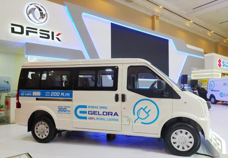 Minibus DFSK Gelora sempat diperlihatkan ke publik pada pameran GIICOMVEC 2020 di awal Maret lalu. (anto)
