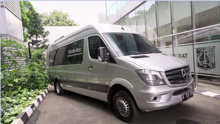 Mercedes-Benz Donasikan Sprinter Van untuk Dinas Kesehatan DKI Jakarta