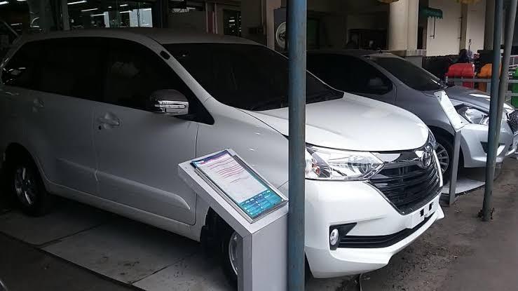 Mobil-mobil taksi online yang mobilitasnya tinggi tersebut ternyata tidak dilindungi dengan asuransi