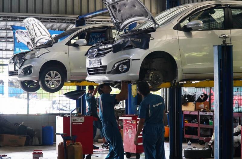 Halo Suzuki dapat dihubungi di nomor 0800-1100-800. Jadi, pemilik mobil Suzuki tidak perlu khawatir selama masa PSBB diberlakukan. (ist)
