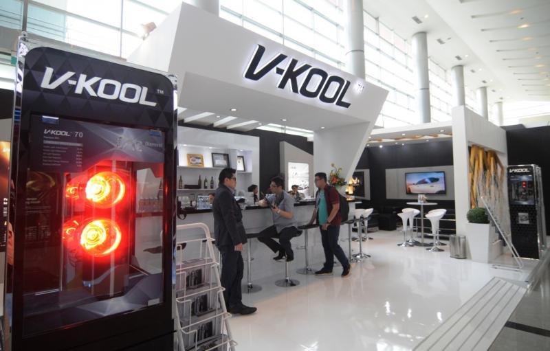 Kaca film V-KOOL dikenal bening, namun punya performa tolak panas yang terbukti luar biasa dan membuat konsumen terkesan.(ist)