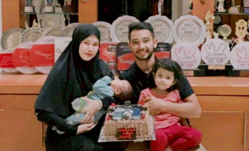 HA Yudhistira tengah berbahagia dikaruniai sepasang buah hati Siti Nafisah Azzahra dan Muhammad Rifky Yudhistira