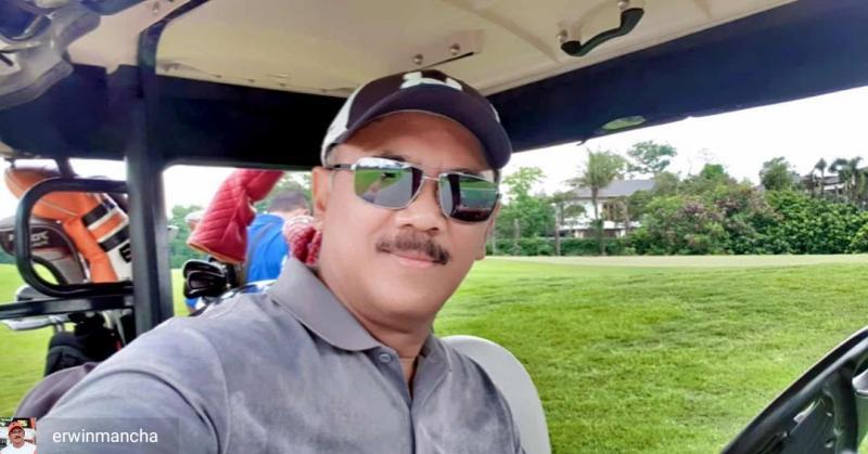 Erwin Mancha mengikuti event golf sembari menunggu balapan boleh digelar lagi. (Foto : em)