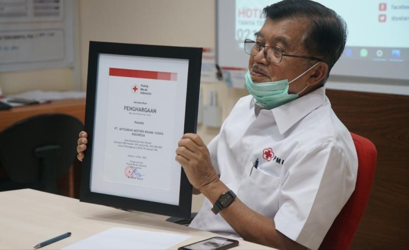 Ketua Palang Merah Indonesia Jusuf Kalla menerima donasi 9 ribu unit masker dari MMKI melalui seremoni virtual.