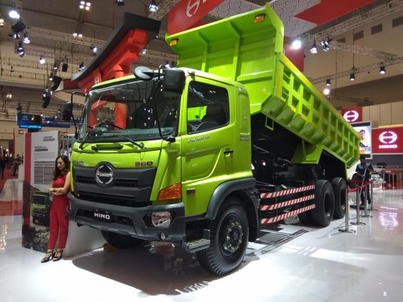 Banyak truk Hino yang masih berjalan, perawatan musti harus ada, HMSI lakukan back-up supaya perekonomian terus berjalan. (anto).