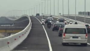 Konvoi kendaraan balik Jakarta di tol elevated dari tol Trans Jawa. (foto : ist)