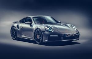 Porsche 911 Turbo S direncanakan hadir pada kuartal akhir 2020.