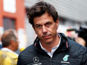 Team Principal Mercedes F1, Toto Wolff mundur dari Mercedes. (Foto: thejudge)