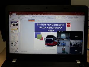Hino Academy Online Training bagi customer Truk dan Bus Hino di Puninar Logistik. (HMSI)