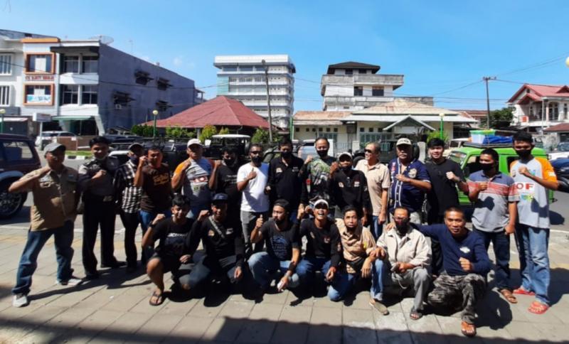 Spontan Offroader Padang ingin melepas kejenuhan. (foto ; ende)