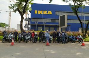 Total sebelas peserta yang mengendarai motor masing-masing, dimulai dari titik keberangkatan di Warung Solo, Jeruk Purut Jakarta Selatan menuju kawasan Alam Sutera, Serpong, Banten.(anto)