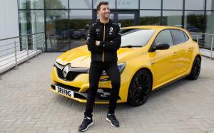 Daniel Ricciardo (Australia) mulai masuk jajaran atlet mahal sedunia versi Forbes. (Foto: sundaytimesdriving)