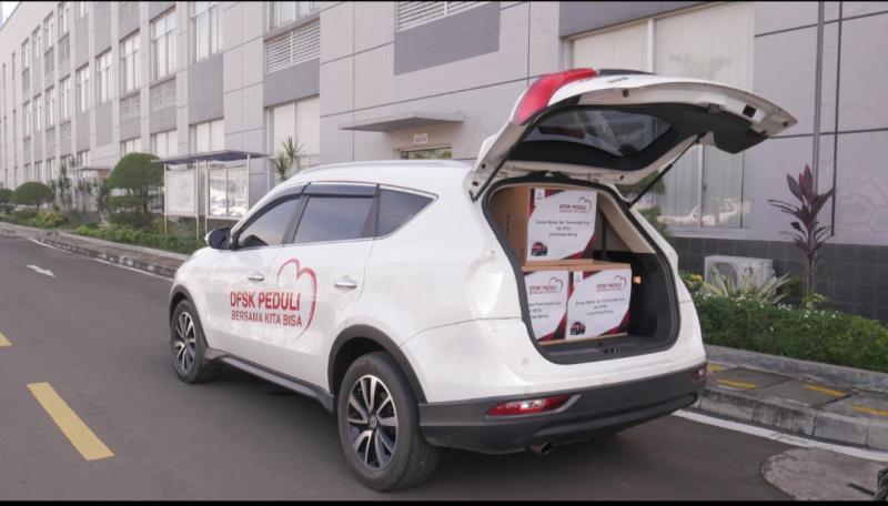 DFSK memberi  bantuan sejumlah alat kesehatan kepada Polda Banten dan Polres Serang