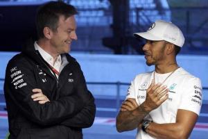 Direktur Teknik Mercedes James Allison dan Lewis Hamilton. (Foto: essentiallysports)