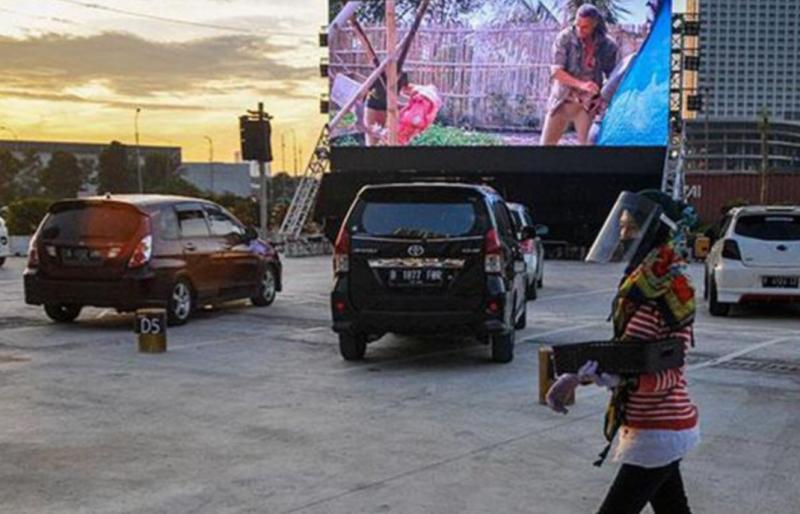 Drive in cinema di Sky Parking Districk 1 Meikarta, Kabupaten Bekasi. (foto : ist)