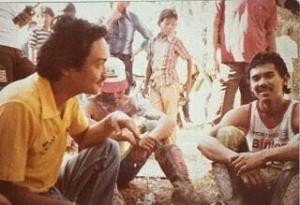 Erwin Mancha (Kanan) mengenang masa lalu sebagai pembalap motocross