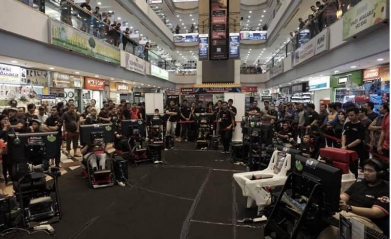Event digital motorsport yang digelar Komisi Digital Motorsport IMI Pusat di Mangga Dua, Jakarta, beberapa waktu lalu. (foto : rama maulana)