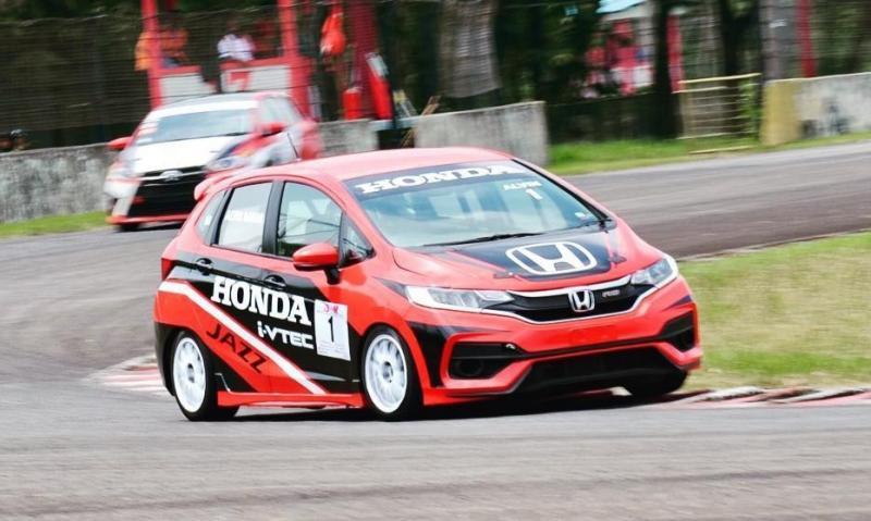 Honda Racing Indonesia konsisten di ajang balap mobil ISSOM sejak 2002. (foto : ig alv)