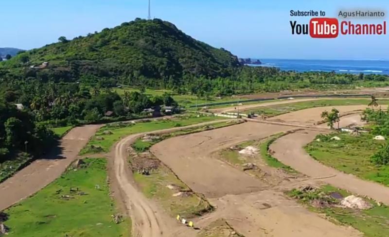 Pembangunan sirkuit MotoGP Mandalika Lombok NTB dinilai tidak ada progress signifikan. (foto : youtube agus h)