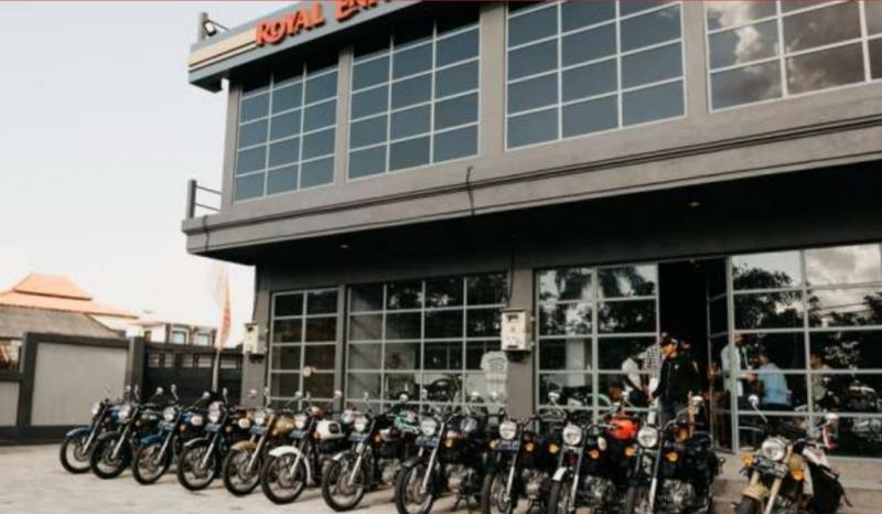 Royal Enfield Flagship Store terbaru di Pondok Indah, Jakarta Selatan. (foto : royal enfield)