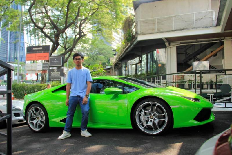 Mirza Putra Utama dan Lamborghini Huracan kelir hijau ngejreng kesayangannya
