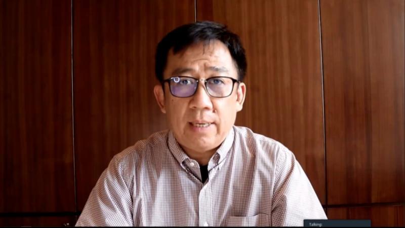 Presiden Direktur PT Astra Djony Bunarto dalam halal bihalal new normal Astra