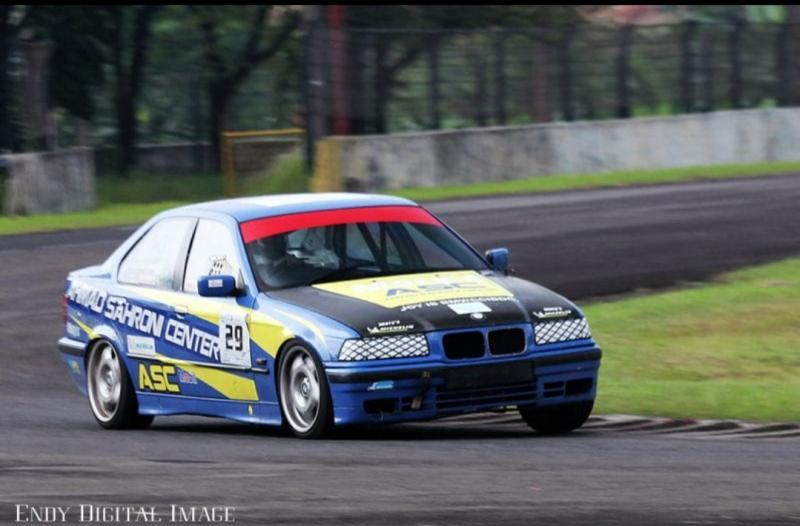 Victor Herryanto dari trackday kini siap ikuti balap mobil BMWCCI OMR di sirkuit Sentul International. (foto : endy listiawan)