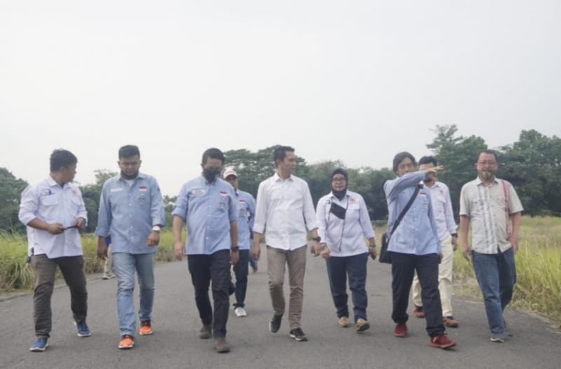 Dipimpin Frans Tanujaya yang memiliki lisensi IMI dan FIM Asia melakukan survei di sirkuit Gerry Mang Subang, Jawa Barat. (foto : imi jabar)