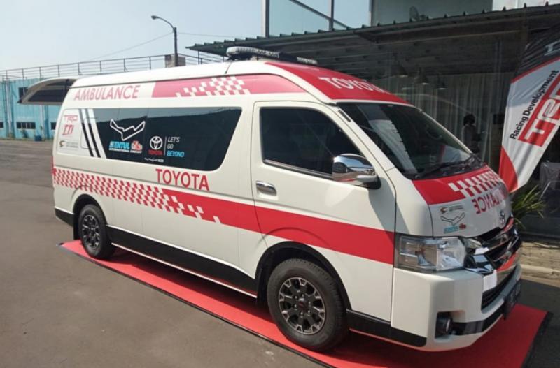 Toyota Hiace ambulance bantuan TRD Indonesia dan TTI untuk sirkuit Sentul International