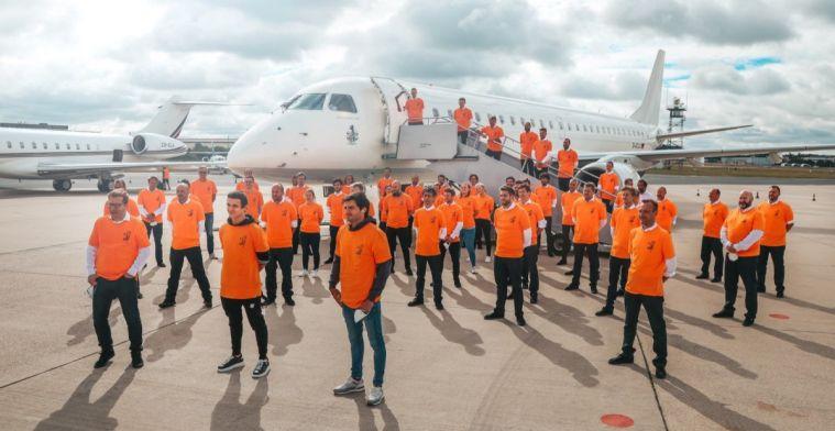 Tim McLaren saat bersiap terbang ke Austria dengan pesawat khusus. (Foto: gpblog)