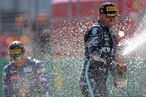 Valtteri Bottas (Finlandia/Mercedes) sementara memimpin klasemen pembalap 2020 dengan poin 25. (Foto: crash)