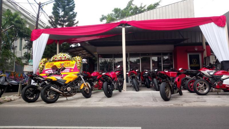 DSO Store Riding Gear baru diresmikan di Lebak Bulus, Jakarta Selatan