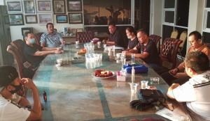 Pertemuan manajemen Suwarnadwipa Nusantara Circuit dengan komunitas speed offroad. (foto : bs)