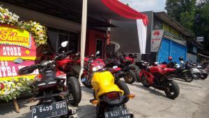 Perawatan motor gede Ducati sangat berbeda dengan motor biasa dan lebih mahal tentunya