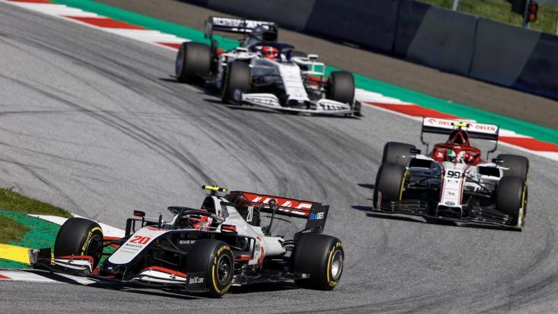 Haas gagal memetik poin karena kedua pembalapnya mengalami masalah teknis