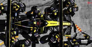 Tim Renault di F1, mampu bayar mahal Fernando Alonso di tengah musibah keuangan akibat Covid-19. (Foto: gpblog)