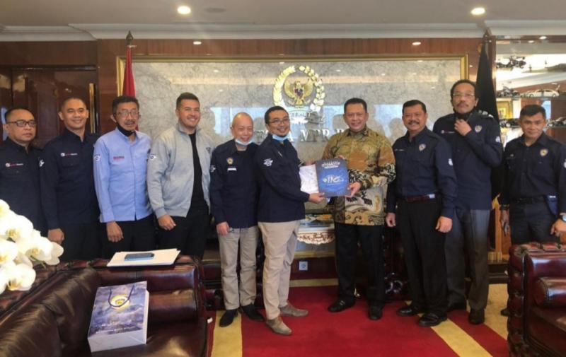 Pengurus IMI Pusat melakukan audensi dengan Ketua MPR Bambang Soesetyo di gedung DPR & MPR Senayan Jakarta Senin siang