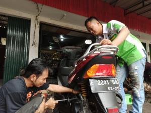 Perawatan motor Kymco bisa dilakukan sendiri di rumah