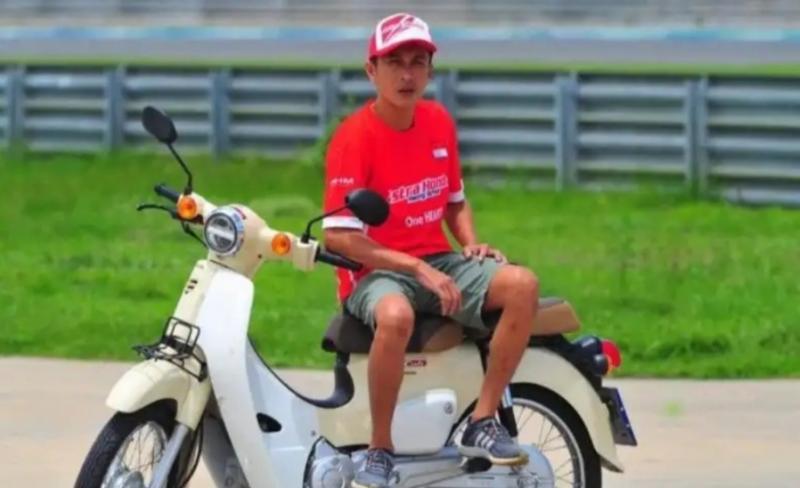 Hokky Krisdianto, uang kontraknya dari tim Honda Tunas Jaya banyak dibelikan buru kicau