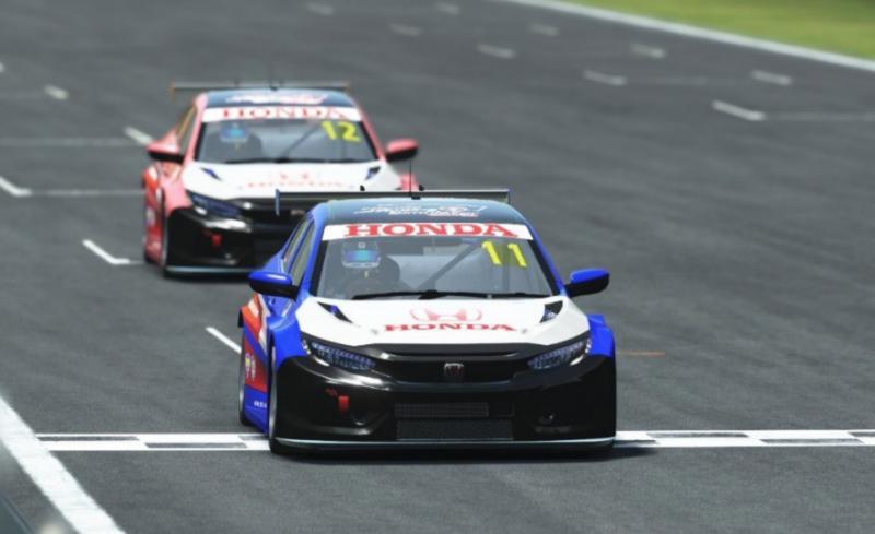 Persaingan kelas Amateur tak kalah seru dengan Profesional seri 2 Honda Racing Simulator Championship di sirkuit virtual Sepang