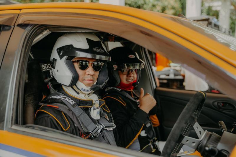 Marrel Suryokusumo dan Anjasara Wahyu, saat sesi latihan bersama sprint rally di Meikarta, Bekasi pekan lalu