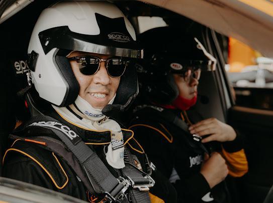 Marrel Suryokusumo (kiri) dan Anjasara Wahyu, The Beagle Jogja Rally Team ingin anak muda banyak terlibat di sprint rally dan rally