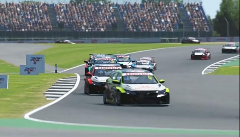 Daffa Ardiansa bertahan di posisi top 3 hingga 10 lap sebelum diovertake Fadhli Rachmat dan Ferris Stanley di seri 3 Silverstone, Honda Racing Simulator Championship