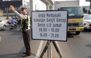 Pemberlakuan kebijakan kembali ganjil genap untuk kendaraan pribadi di Jakarta, masih uji coba dulu selama 3 hari tanpa penilangan